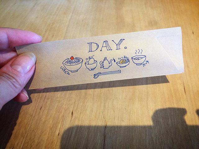 沼津カフェ「DAY」。 しらす丼。人様の作ったの、初めて食べました。(笑)食べちゃったのでイラストで。#イラスト日記 #イラストレーション #イラストレーター #イラスト #しらす #しらす丼 #ランチ#day #沼津